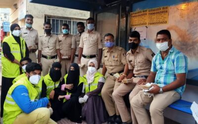 Nov 2020 – Lifeline distributed sweets to Police personals on the occasion of Diwali